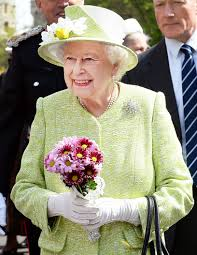 this is what queen elizabeth ii wore for her 90th birthday