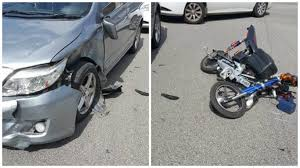 2 teenagers on e bike beat red light but collided with car and