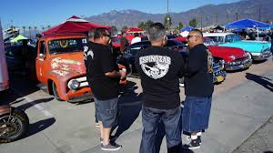 mooneyes xmas party show and drags 2015 autoweek