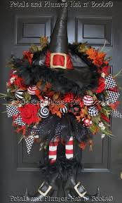 557 best halloween wreaths images on pinterest halloween witches