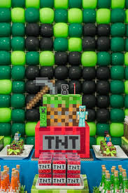 Minecraft Table Decorations Kara U0027s Party Ideas Minecraft Balloon Party Kara U0027s Party Ideas
