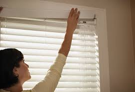 Curtain And Blind Installation How To Install A Horizontal Blind At The Home Depot