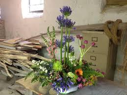 Flower Arrangement Techniques by Basing Techniques Roots To Blooms