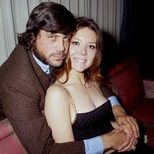Bureau Olier Vintage Pictures Of Diana Rigg And Oliver Reed From The 1969 The
