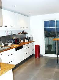 cuisine plan travail bois cuisine blanche et plan de travail bois free avec en with massif