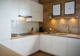 cuisine sans poignee plan de travail cuisine 50 idées de matériaux et couleurs plan de