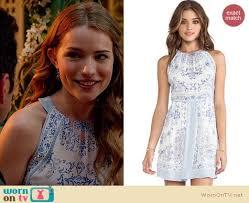 wornontv emma u0027s blue and white printed dress on royal pains
