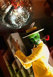 the mask costume of the day the mask is smokinnnnn