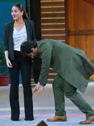 Seeking Finale Arjun Kapoor Seeking Kareena Kapoor S Blessings At The Fear
