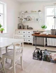 Shabby Chic Paint Colors For Walls by Best 20 Shabby Chic Cabinet Ideas On Pinterest Shabby Chic