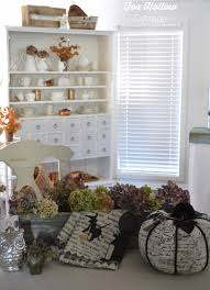 Cottage Home Decorating by Spooky Chic Halloween Home Decorating