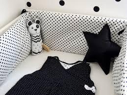 chambre bebe noir tour de lit noir et blanc tout savoir sur la maison omote