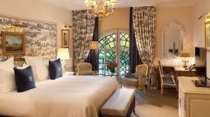 chambre de luxe auberge du jeu de paume chantilly chambre deluxe avec vue
