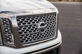 Nissan Titan Grill Nissan Titan Xd 2017 Motor Trend Truck Of The Year Contender