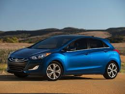 cost of 2014 hyundai elantra 2015 hyundai elantra gt debuts with lower cost tech package