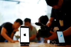 will iphones be on sale for black friday samsung will be apple u0027s top supplier for iphones again in 2017