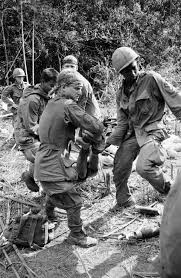 Marines Holding Flag The Truth About The Lost Marines Of The Vietnam War U0027s Last Battle