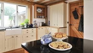 bespoke kitchen furniture craftsmen of bespoke kitchens bedrooms bathrooms furniture
