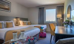 Living Room Furniture Belfast by Hotels Near Belfast International Airport Stay Park Fly