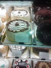 desserts laurenzos maimi the bakery at laurenzos pinterest