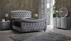 Velvet Sleigh Bed Hudson Sleigh Bedroom Set In Grey Velvet By Meridian Furniture