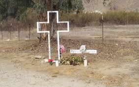memorial crosses for roadside how should a family s roadside cross in memory of their