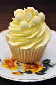 best 25 white chocolate cupcakes ideas on pinterest white