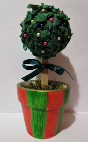 christmas topiary a miniature christmas topiary tree thriftyfun