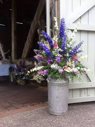 wedding flowers ideas 30 rustic country wedding ideas with milk churn deer pearl flowers