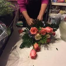 flower shops in miami nila s flower shop 68 photos florists 6636 collins ave