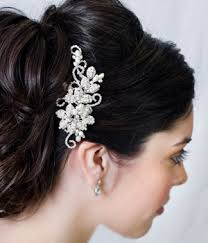 vintage wedding hair accessories for an weddings