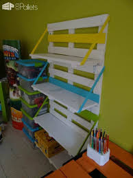 Colored Bookshelves by Bibliothèque En Palettes Colored Pallet Bookshelf U2022 1001 Pallets
