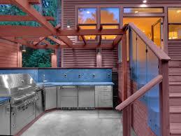 outdoor kitchen decoration using half turn wooden kitchen