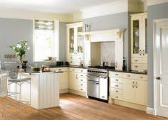 ivory kitchen cabinets what color walls high gloss white modern kitchen highglosskitchens beautiful