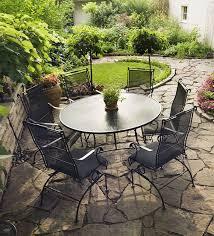 Little Backyard Ideas by Neat Little Seating Area Garden Church Garden Ideas