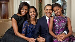 obama family in their final white house christmas card kiss 91 7