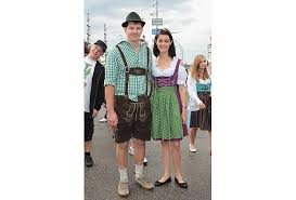 photo gallery the beer u0027s flowing at munich u0027s oktoberfest