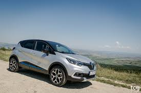 new renault captur 2017 renault captur facelift nothing but the same from renault