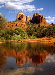 Cathedral Rock Reflections At Sunset Red Rock Crossing Usa Sedona Arizona Red Rocks Formation In Oak Creek Canyon