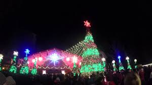 o tannenbaum dancing christmas trees light show christmas town