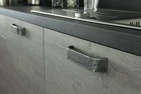 poignees porte cuisine poignee meuble cuisine idées de design maison faciles