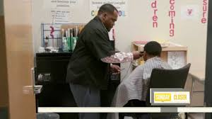 tennessee barber gives free haircuts to elementary students