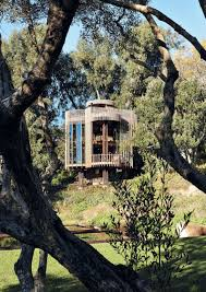 Treehouse Nz Sylvan Symphony The Tree House On The Paarman Family Estate Is A