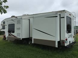 2013 wildwood 37bhss2q travel trailer if you want that is capable