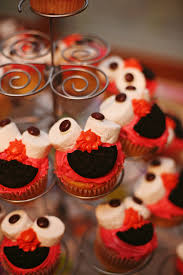 elmo cupcakes how to make and easy elmo cupcakes diaries of a