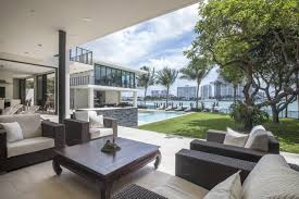 tropical modern a seductive spin on island style homes wsj
