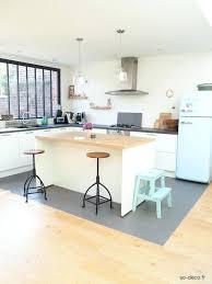 j aime ma cuisine j aime ma cuisine frigo smeg et peinture sur le tabouret ikea pour