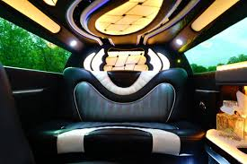 bentley limo interior chrysler 300 stretch limousine chrysler 300 limo rentals