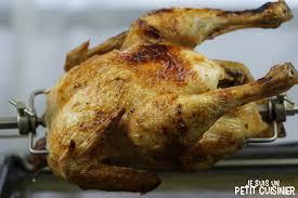 cuisiner un poulet roti recette de poulet à la broche poulet rôti