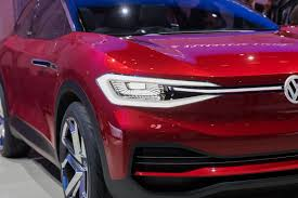 volkswagen u0027s id crozz looks electrifying in red cnet page 32